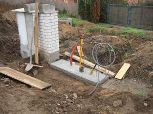 """Brzo bude i """"kiosek"""" (jen co se domluvíme jaký bude plot :-)) - 29.10.2011"""