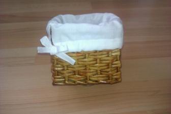vnútro košíčka mi trošku nevyšlo.. :D ale bol to môj prvý pokus na šijacom stroji.. :)