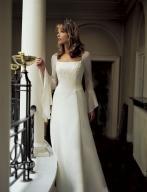 Danduška - Tak takéto šaty by som schcela....