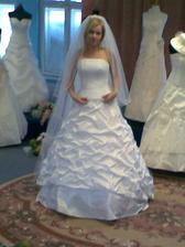 tak a to jsem já a moje nádherné svatební šaty