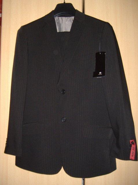 Nika a Ferko 29.3.2008 - drahého oblek
