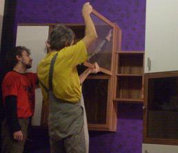 montujeme obývaciu stenu