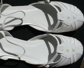 nakonec sem sehnala botičky podle mých potřeb - nízký podpatek, kulatá špička a dokonce nebyly ani tak drahé, dík za tip Mončo!