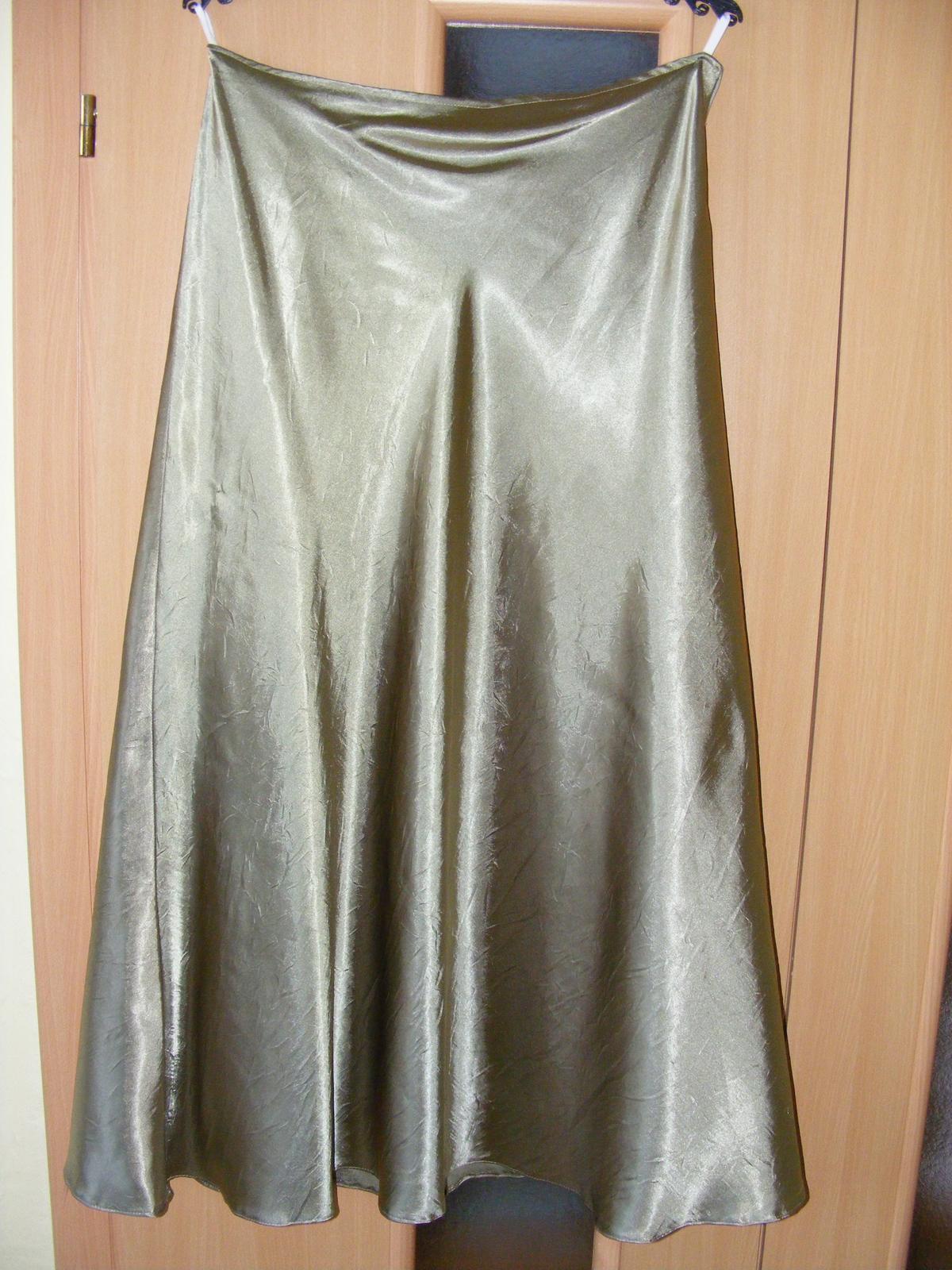 Tmavozelené korzetové šaty - Obrázok č. 2