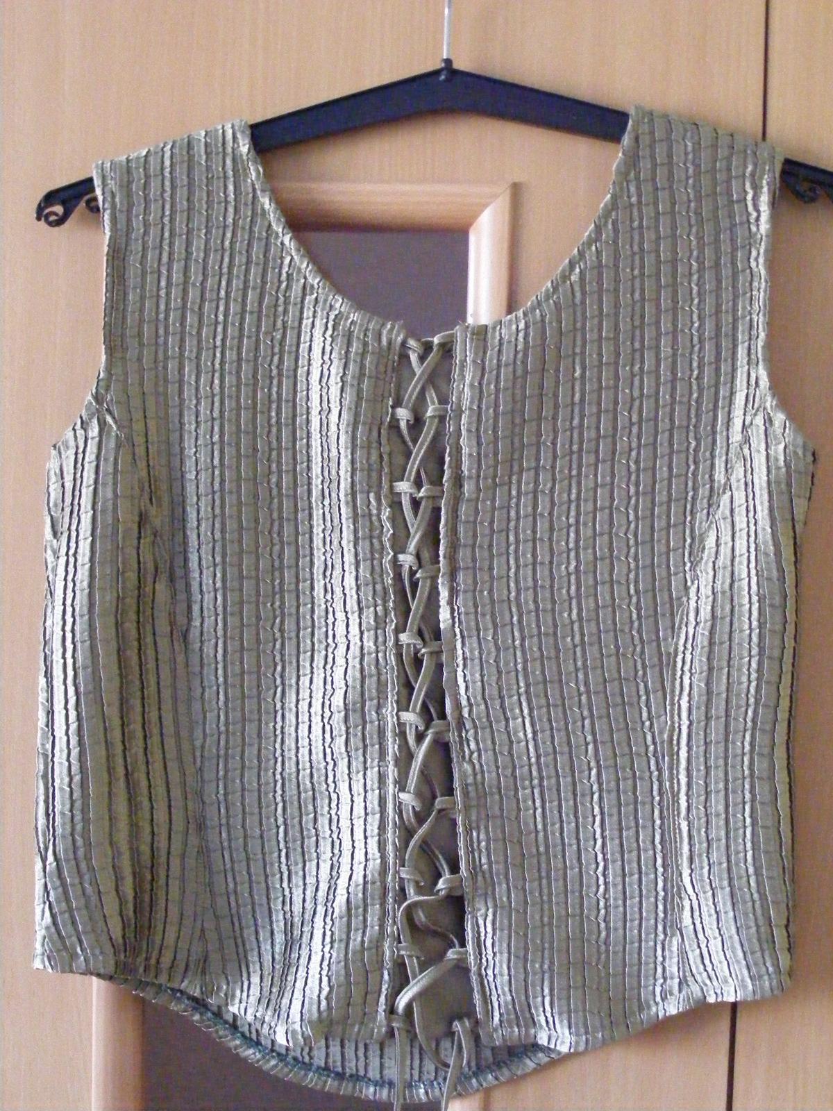 Tmavozelené korzetové šaty - Obrázok č. 3