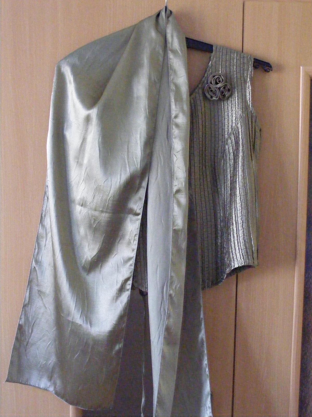 Tmavozelené korzetové šaty - Obrázok č. 4