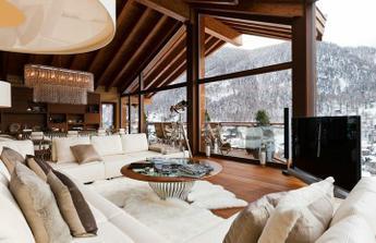 Ubytování ve městě Zermatt, Švýcarsko. Designer Philip Watts.Týden na horách v tomto nádherném domě, popíjet horkou čokoládu nebo punč......to by byl balzámek na nervy