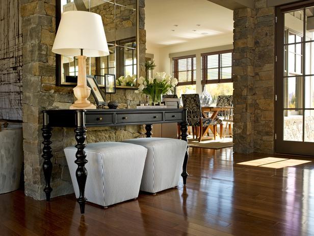 Krasné - ten kámen, zrcadlo i stolek prostě nádhera