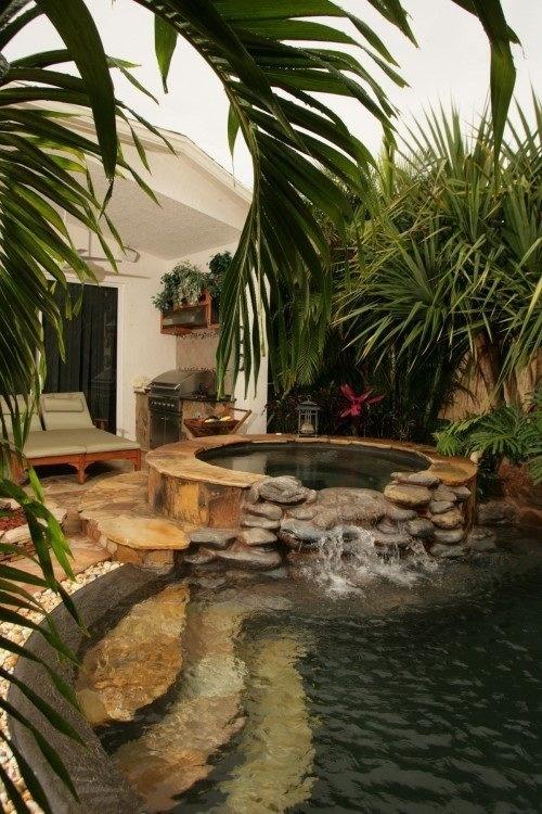 Krása v zahradách - povedený bazének