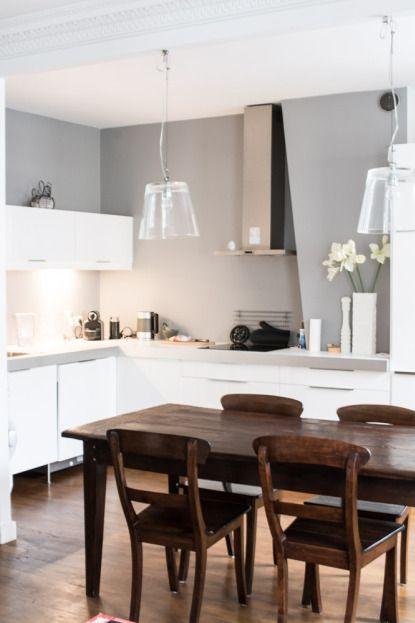 Hledám se - Tak nějak barvičky, když už máme podobnou barvu stolu a chci bílou kuchyň.