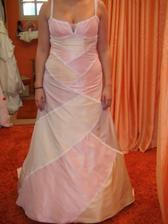 inspirace - barvy! střih :) šaty nevěsty Zimofka (děkuju za fotku)