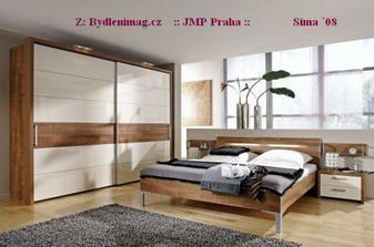 úložné prostory ložnice a odstín hnědé
