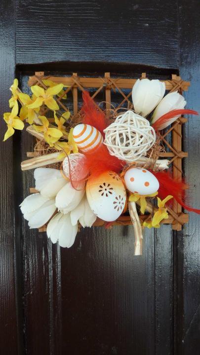 Moje hoby-moja láska *aranžovanie* - vajíčkový aranžmánik či na dvere či na stôl