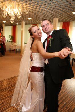 Silvia{{_AND_}}Lukáš Mikolajovi - prvý mladomanželský tanec