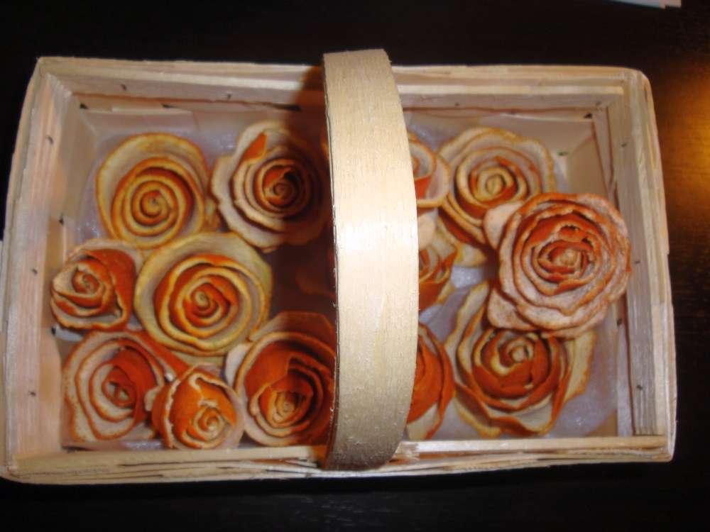 pomarančové ružičky v košíku - Obrázok č. 1