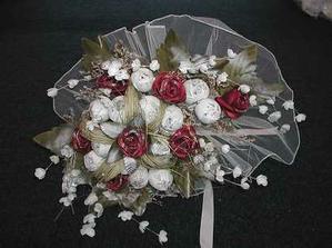 krásná kytka, jen bych ji chtěla z růží