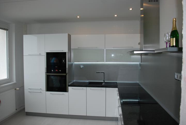 Leskle lakované Kuchyne na mieru - Obrázok č. 67