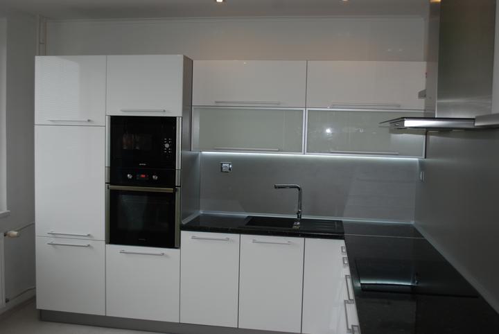 Leskle lakované Kuchyne na mieru - Obrázok č. 68