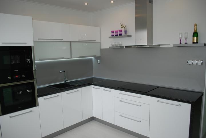 Leskle lakované Kuchyne na mieru - Obrázok č. 69