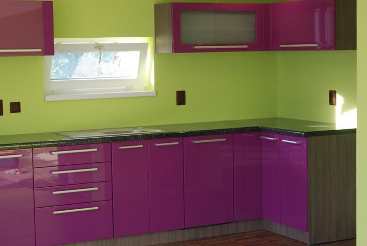 Leskle lakované Kuchyne na mieru - Obrázok č. 27