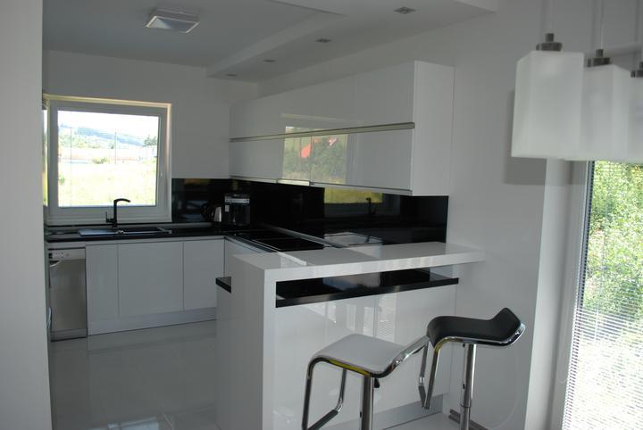 Leskle lakované Kuchyne na mieru - Obrázok č. 5