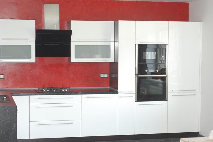 Leskle lakované Kuchyne na mieru - Obrázok č. 50