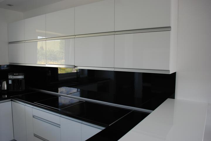 Leskle lakované Kuchyne na mieru - Obrázok č. 6