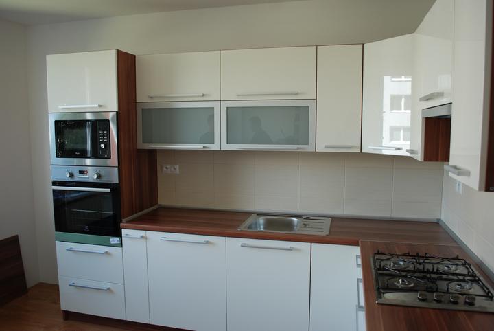 Leskle lakované Kuchyne na mieru - Obrázok č. 71