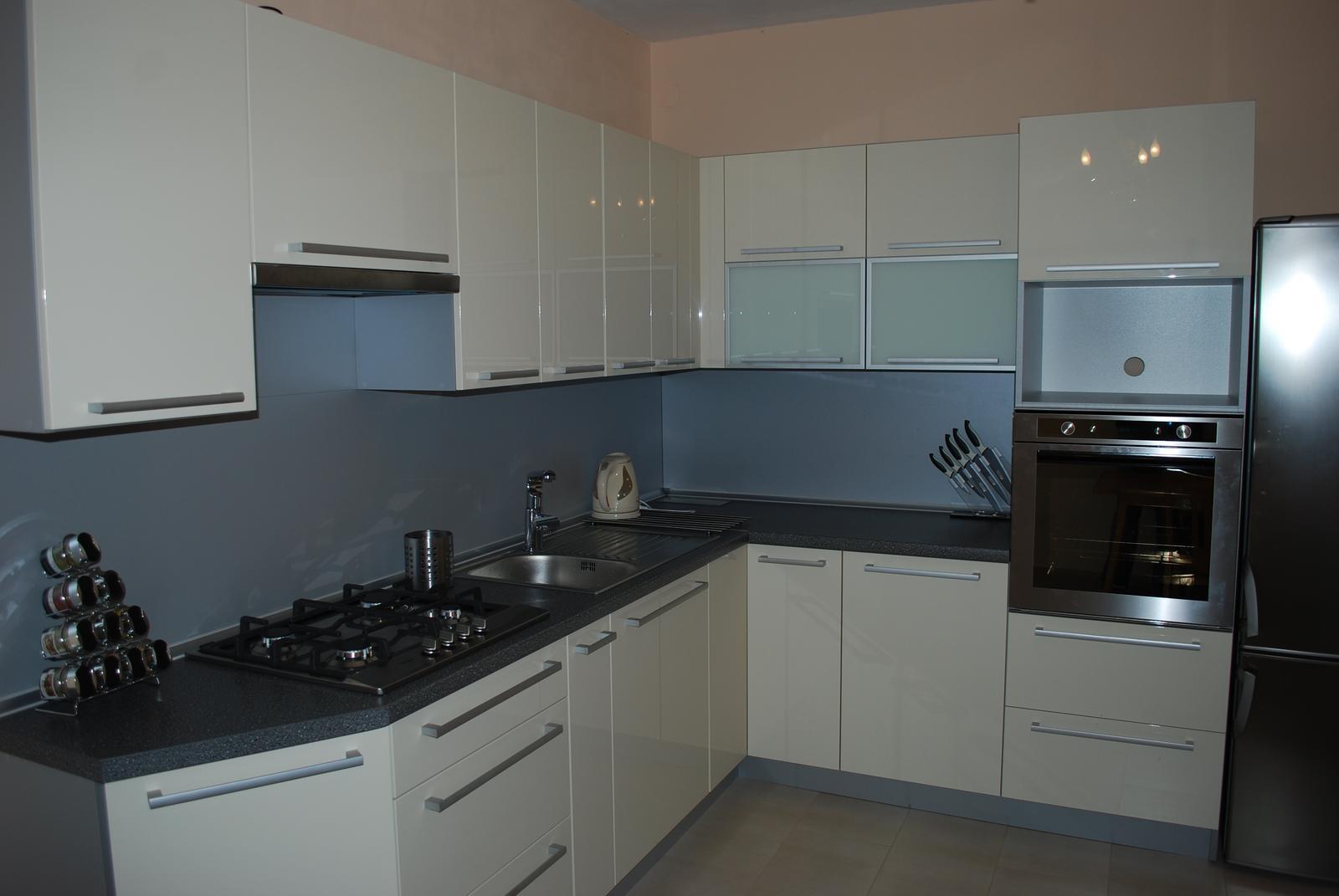 Leskle lakované Kuchyne na mieru - Obrázok č. 74