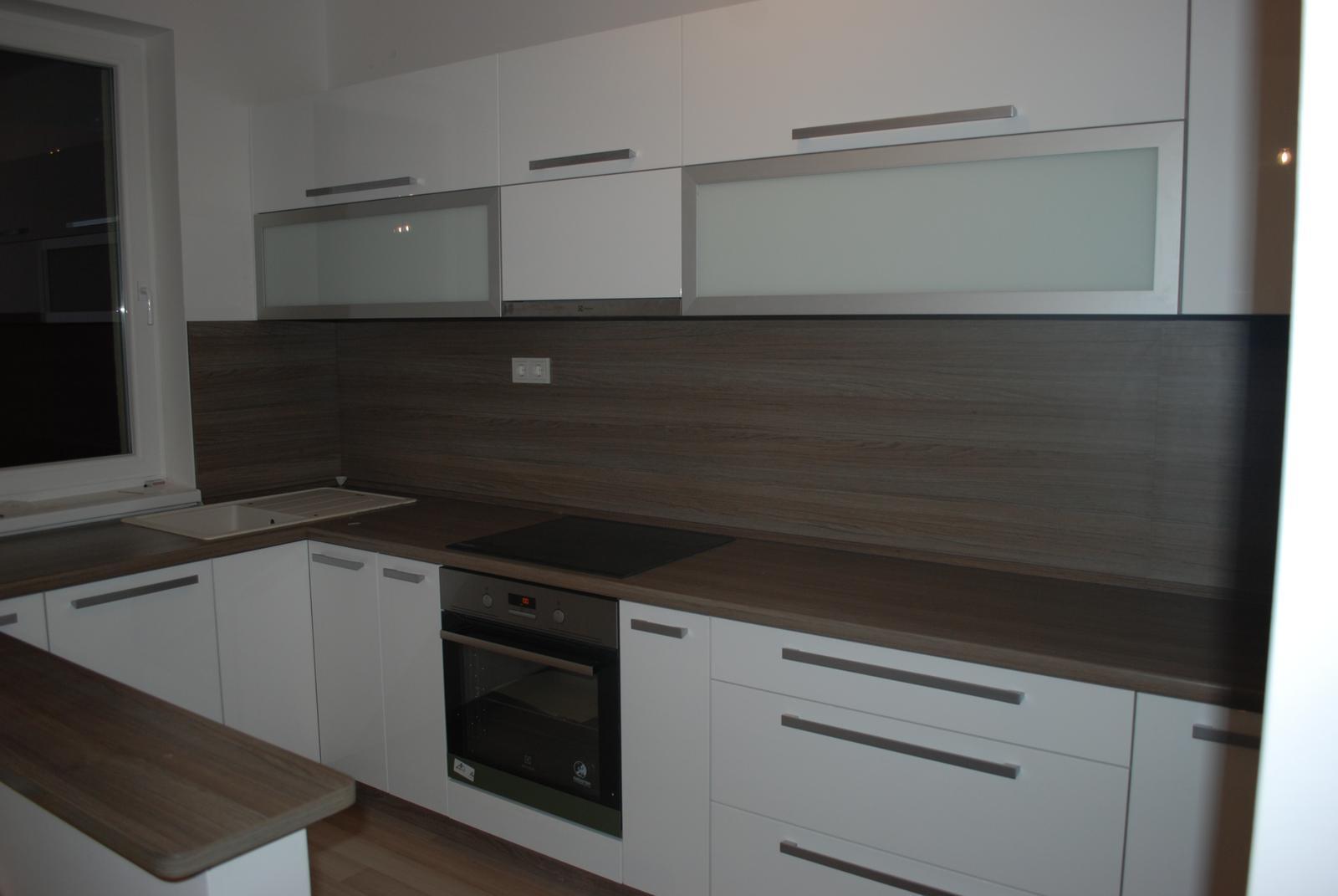Leskle lakované Kuchyne na mieru - Obrázok č. 41