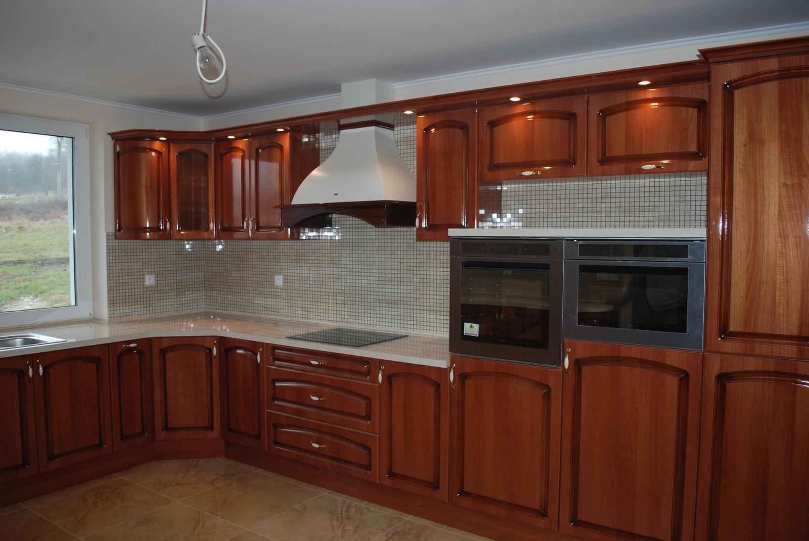 Leskle lakované Kuchyne na mieru - Obrázok č. 82