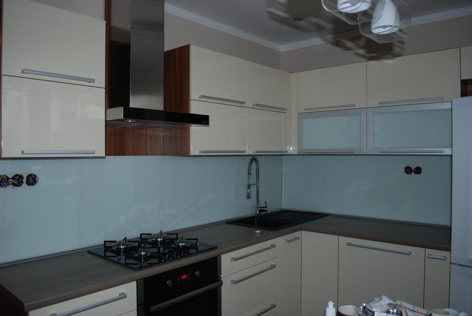 Leskle lakované Kuchyne na mieru - Obrázok č. 92