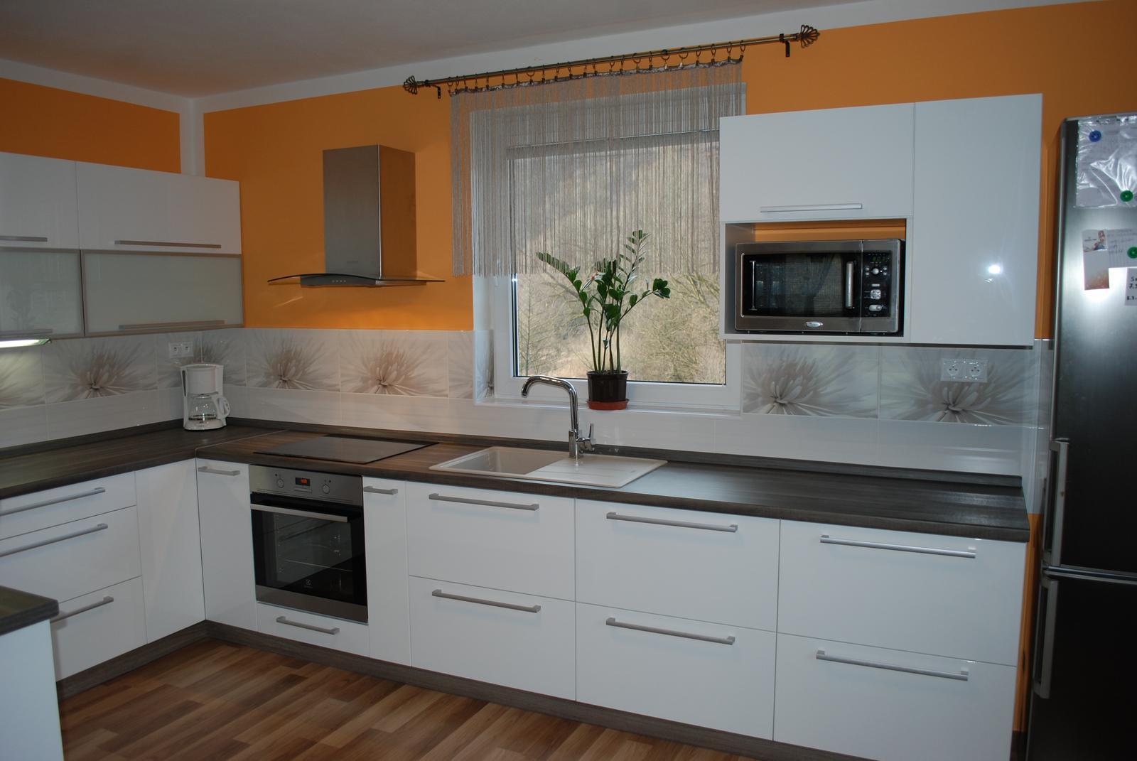 Leskle lakované Kuchyne na mieru - Obrázok č. 94