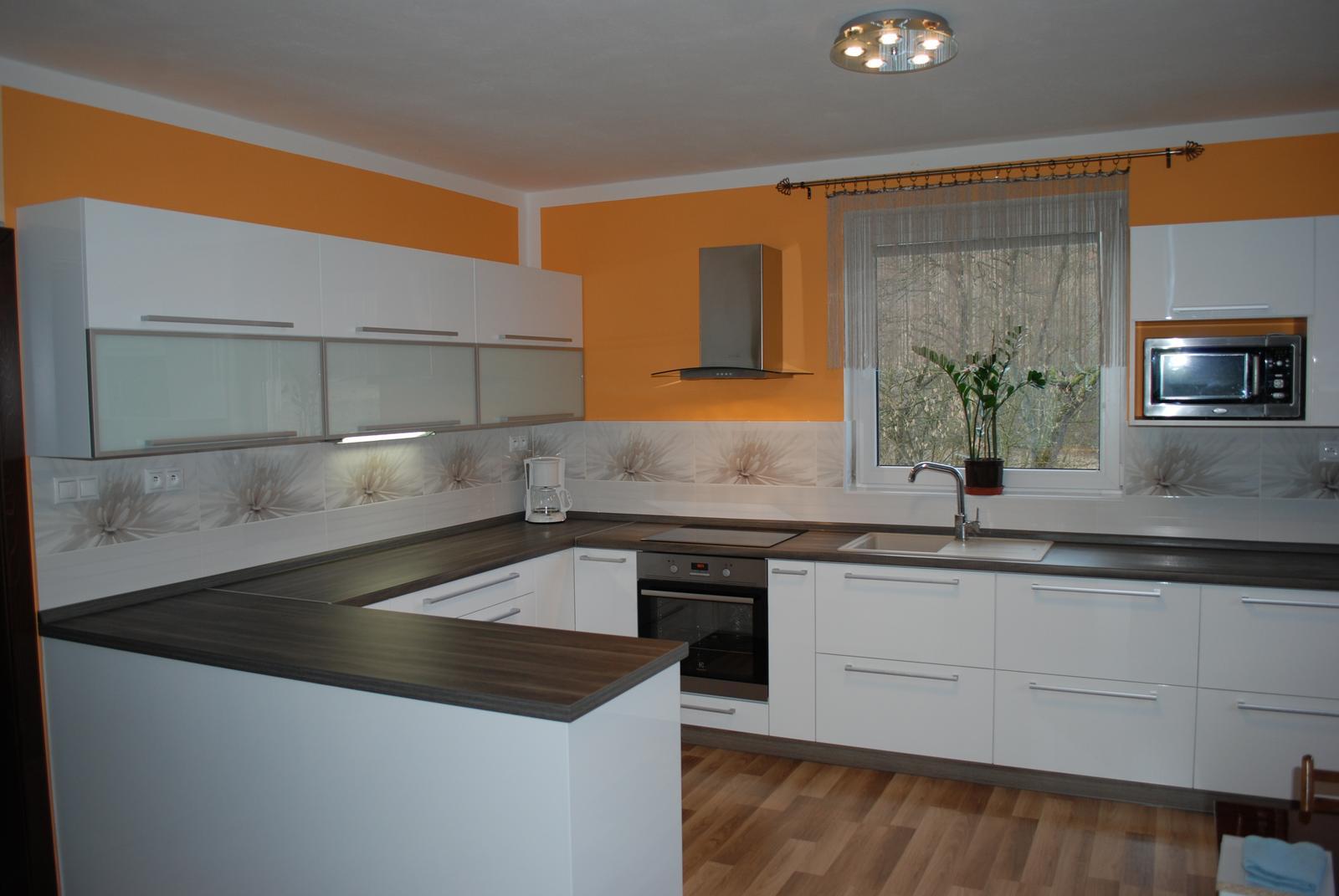 Leskle lakované Kuchyne na mieru - Obrázok č. 95