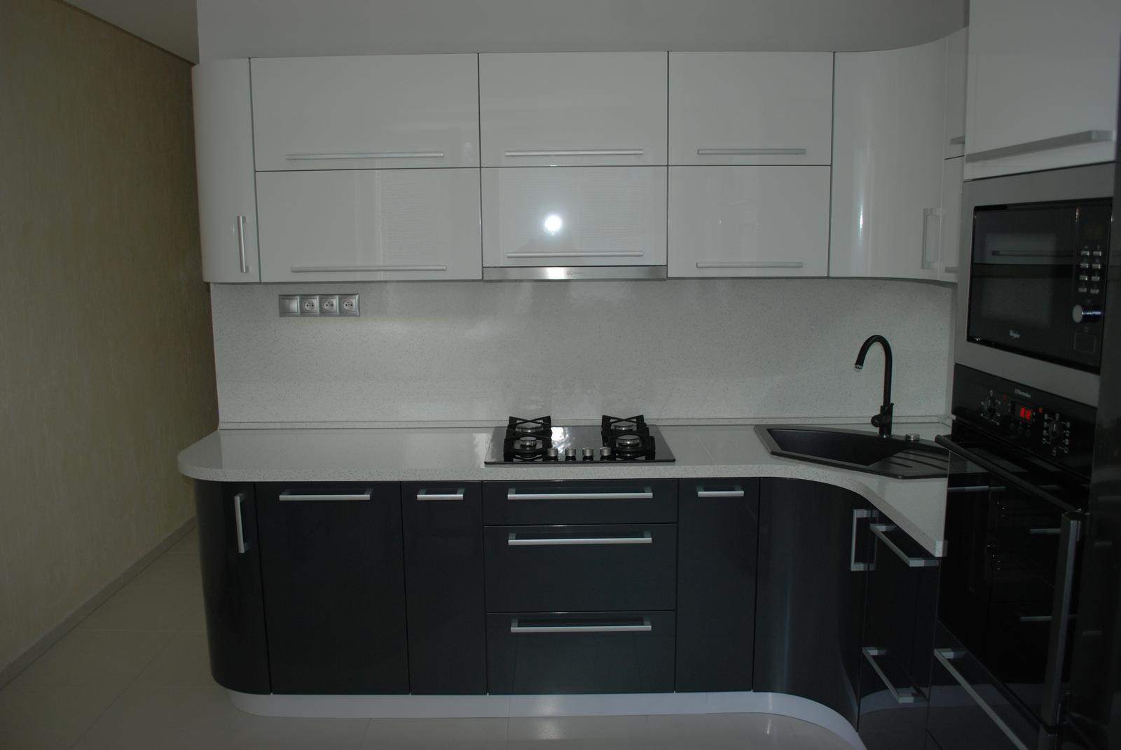 Leskle lakované Kuchyne na mieru - Obrázok č. 98