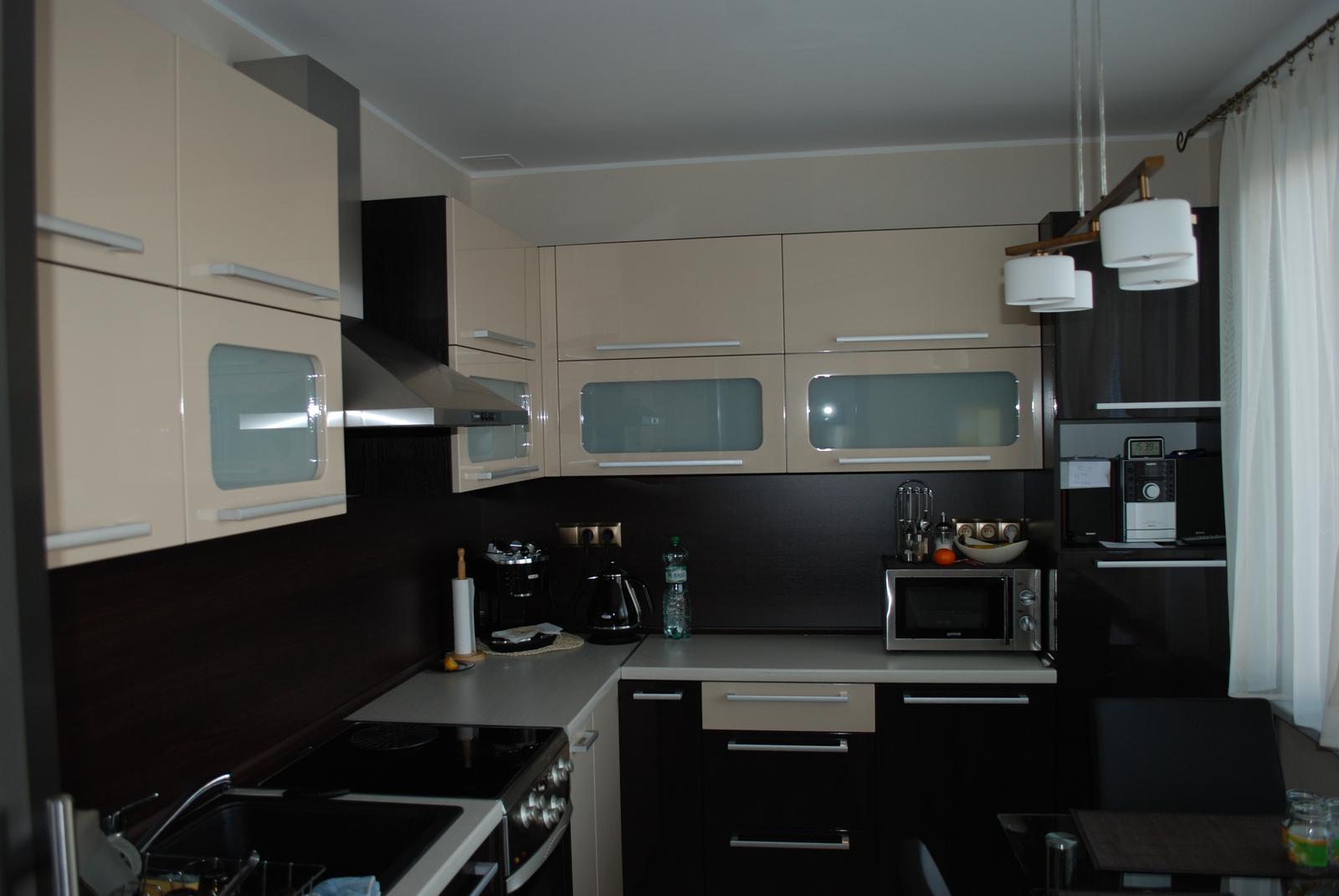 Leskle lakované Kuchyne na mieru - Obrázok č. 103