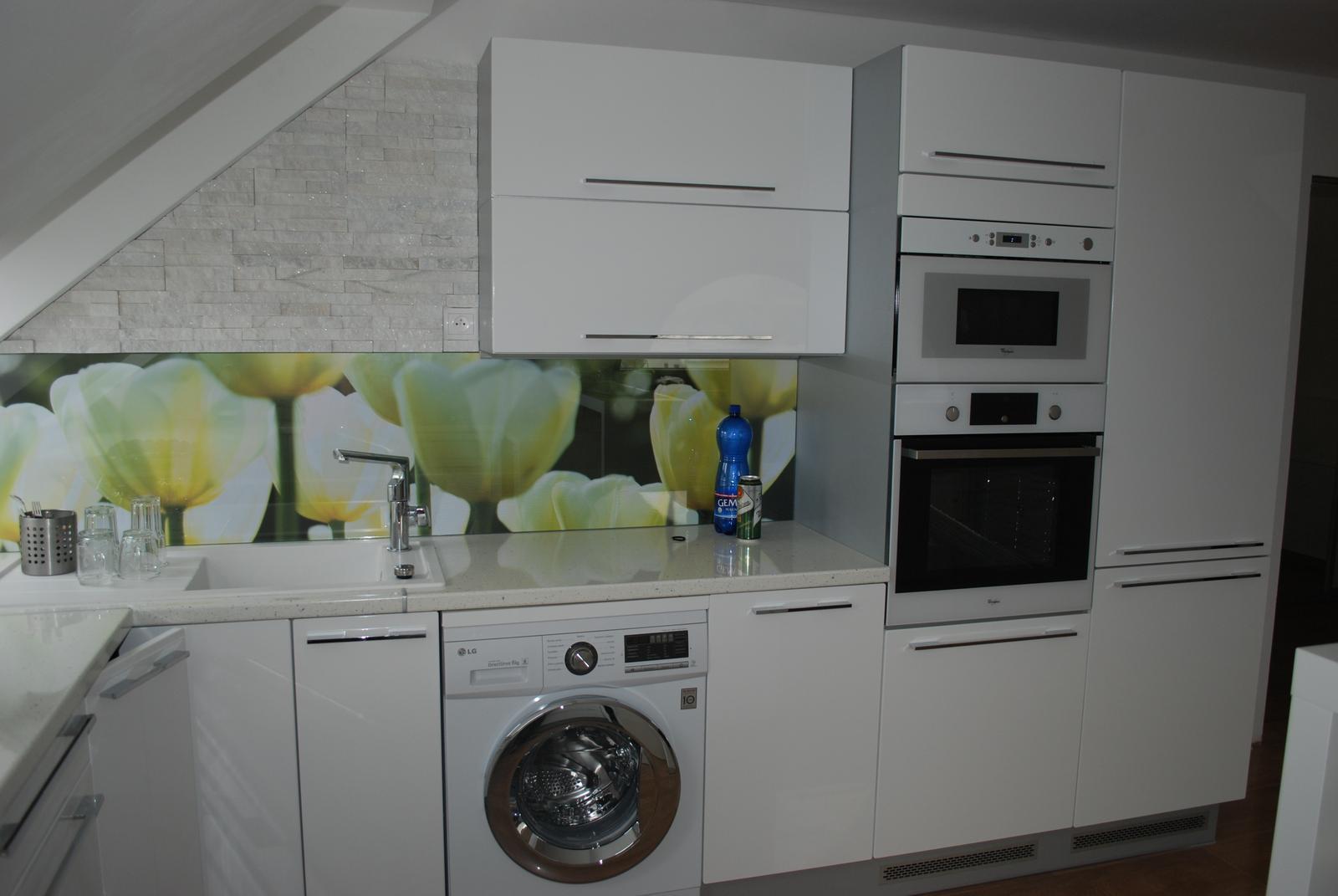 Leskle lakované Kuchyne na mieru - Obrázok č. 107