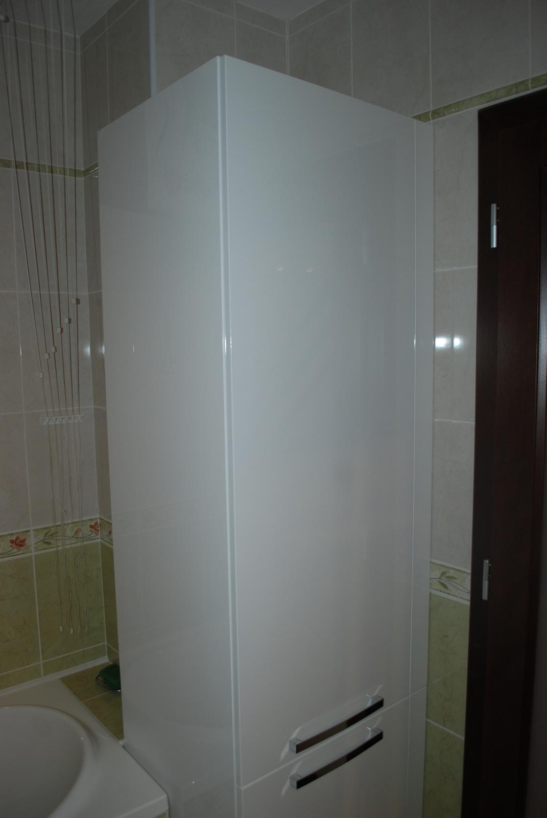 Nábytok do kúpelne na mieru - haly... - Obrázok č. 128