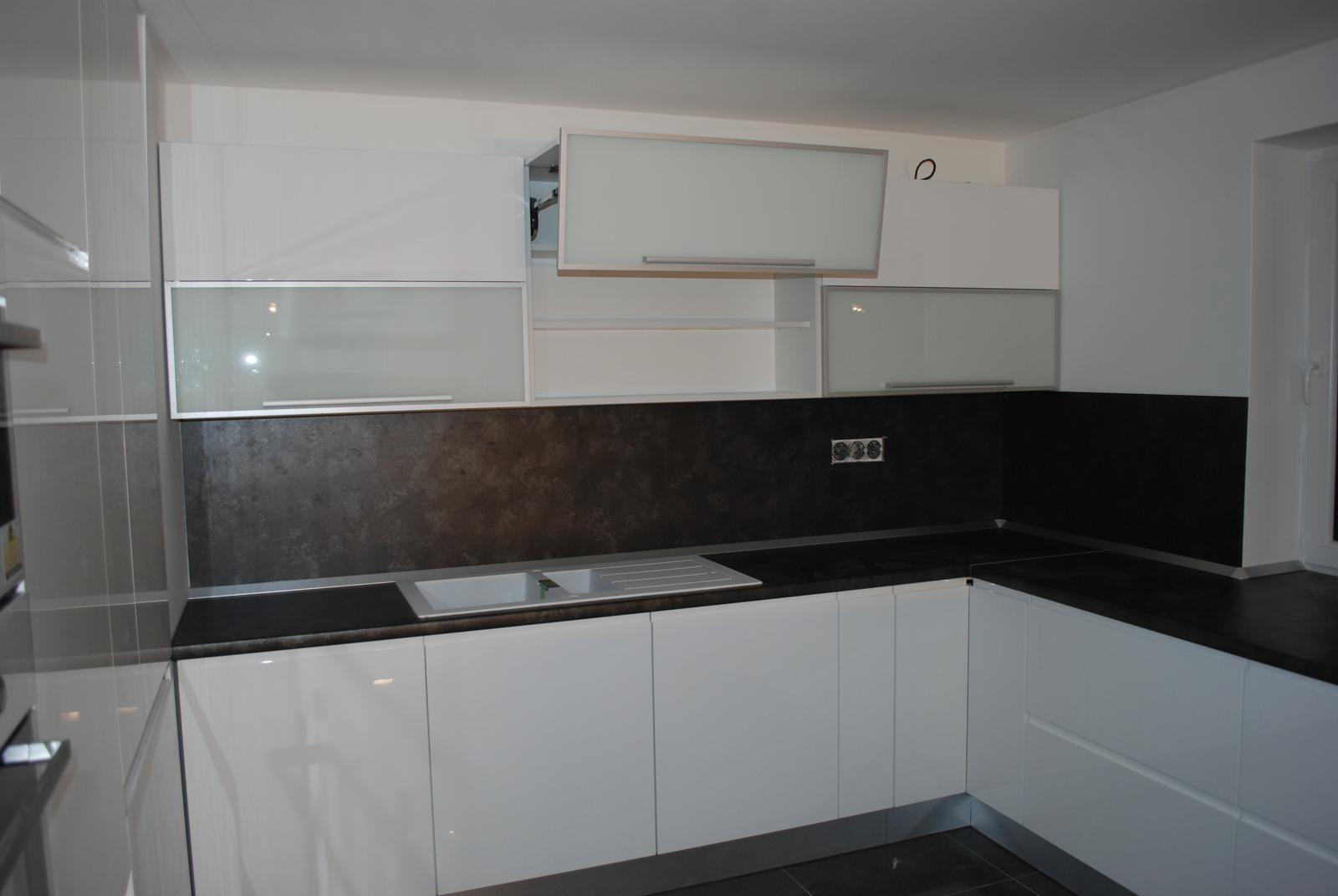 Leskle lakované Kuchyne na mieru - Obrázok č. 121