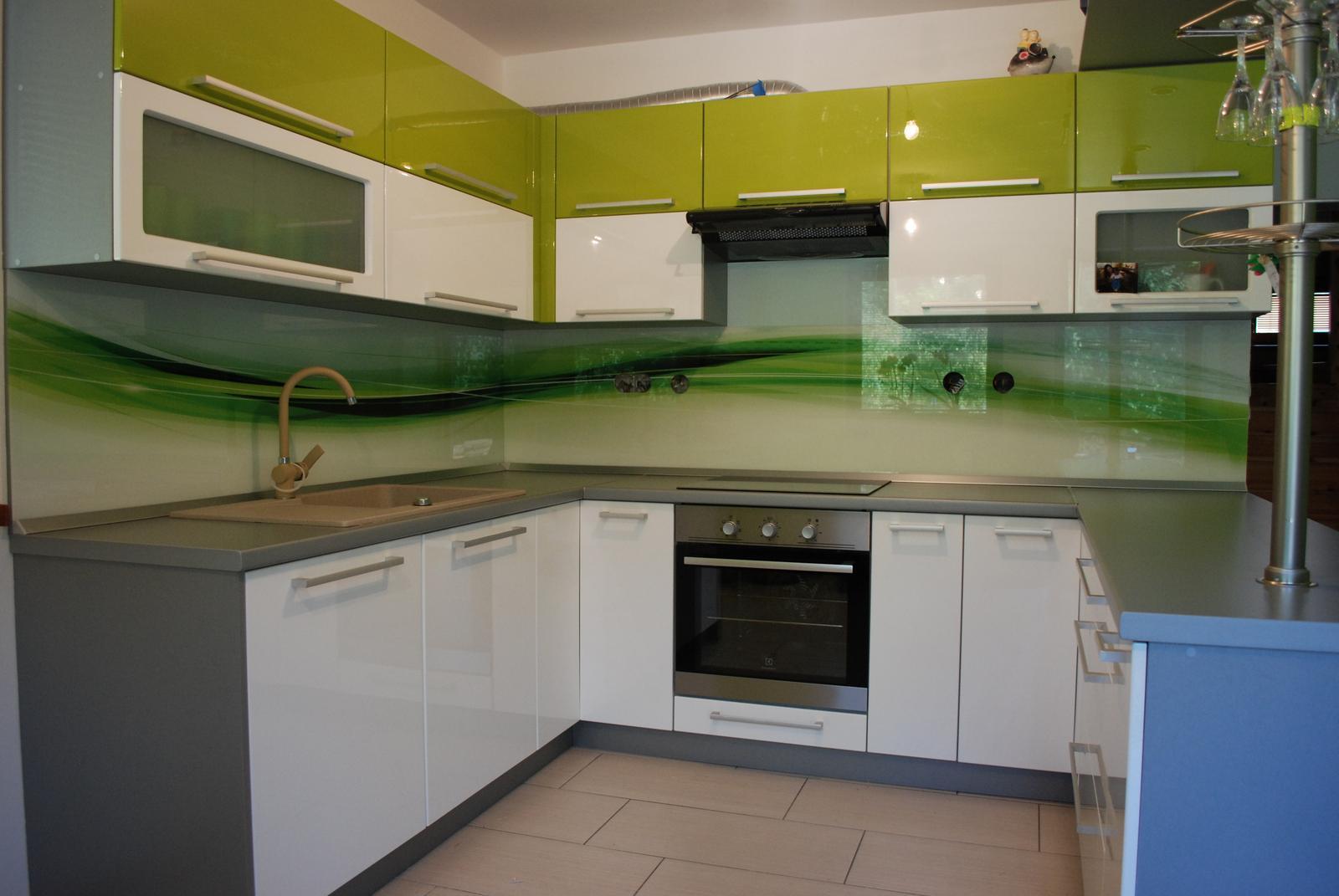 Leskle lakované Kuchyne na mieru - Obrázok č. 129