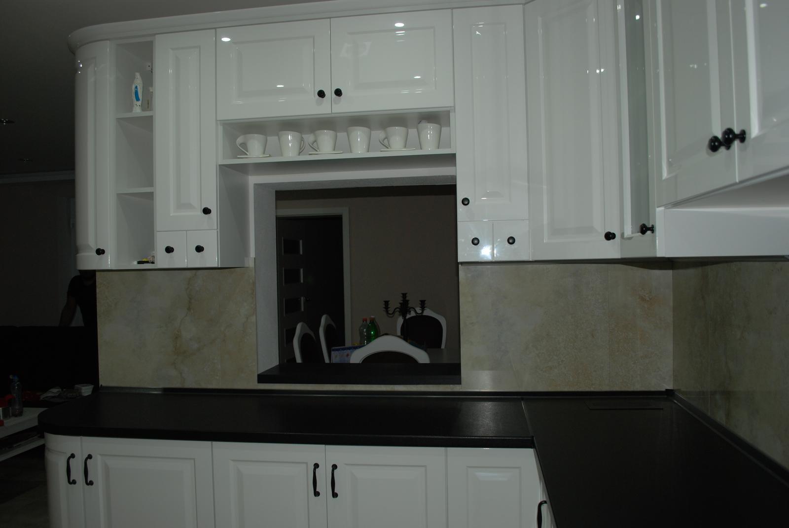 Leskle lakované Kuchyne na mieru - Obrázok č. 151