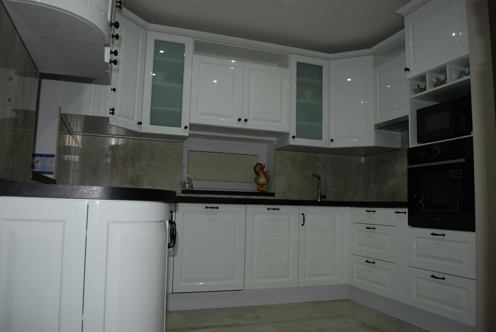 Leskle lakované Kuchyne na mieru - Obrázok č. 154