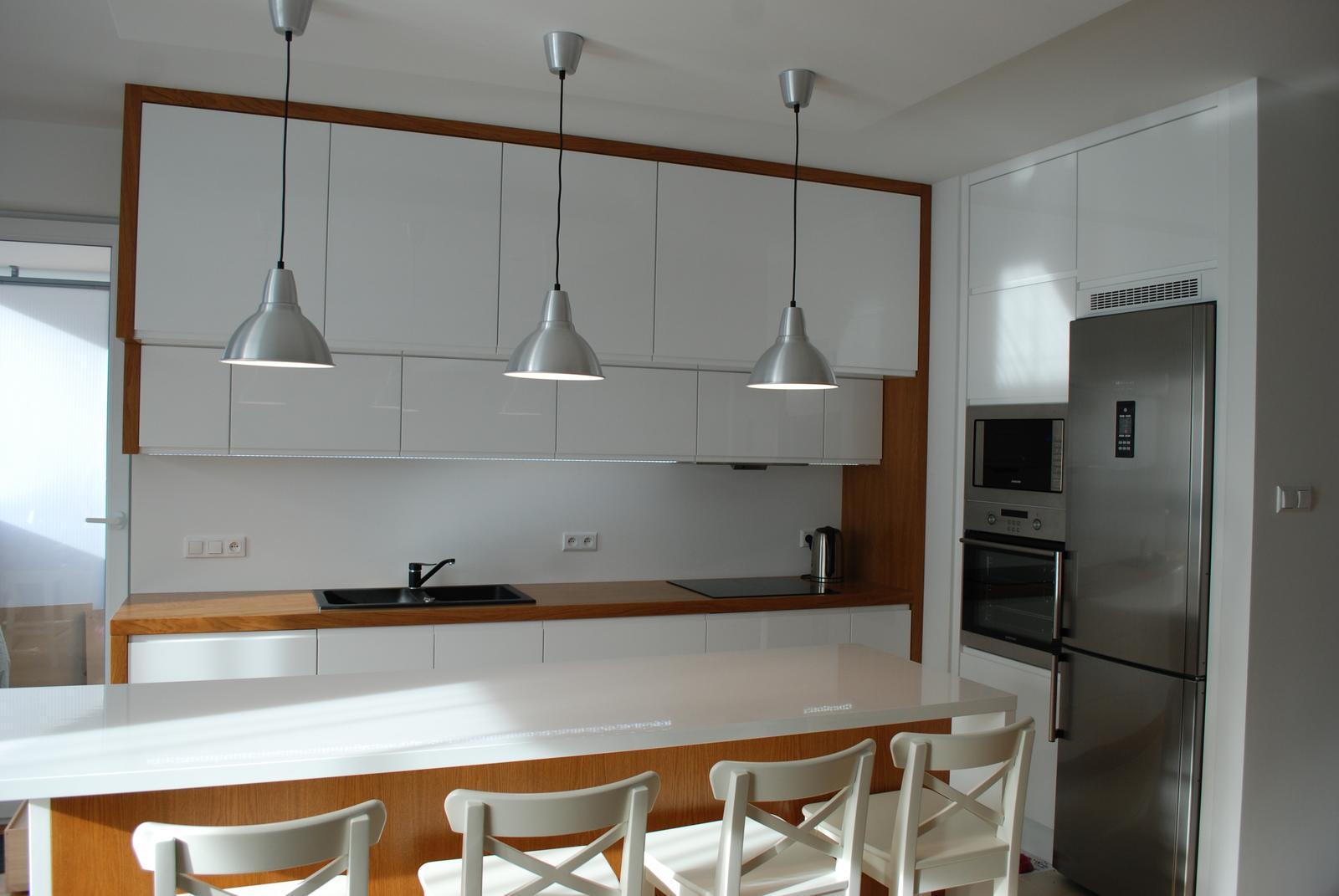 Leskle lakované Kuchyne na mieru - Obrázok č. 161