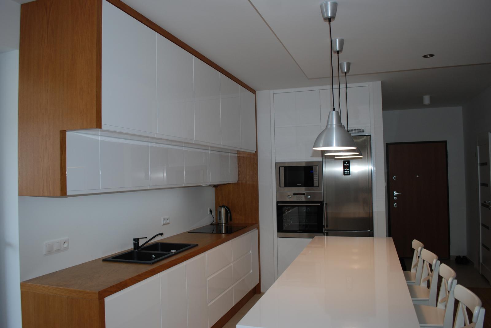 Leskle lakované Kuchyne na mieru - Obrázok č. 162