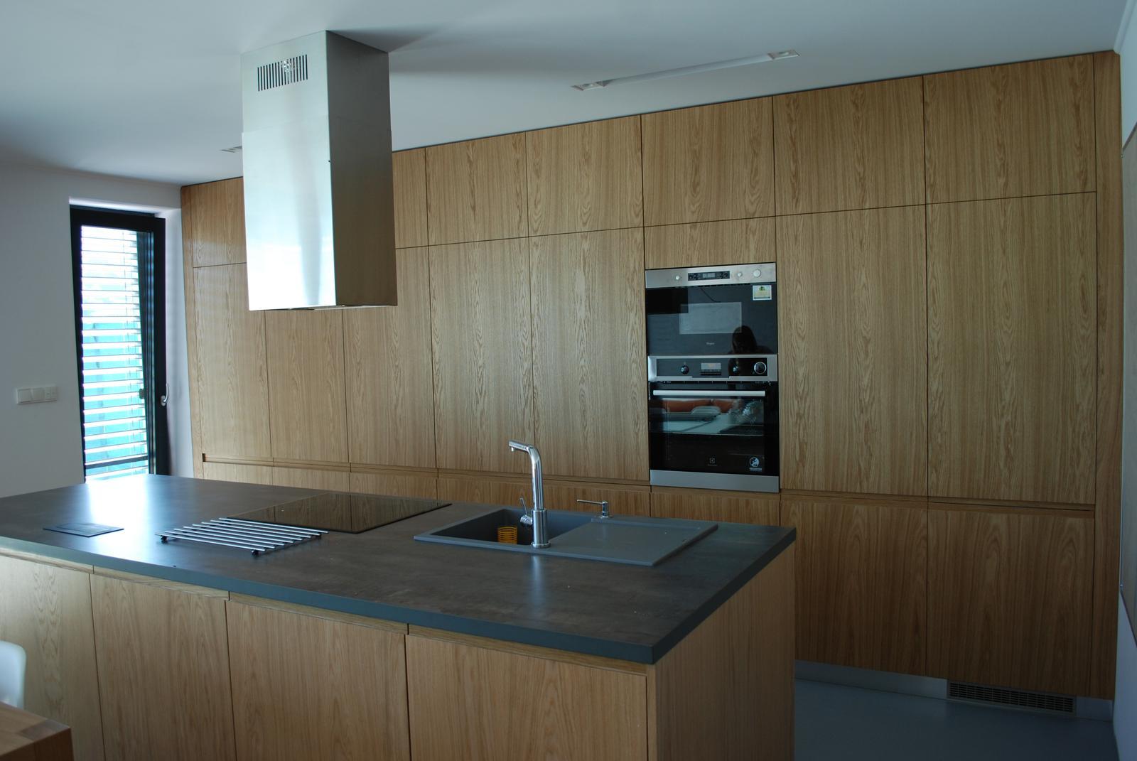 Leskle lakované Kuchyne na mieru - Obrázok č. 176