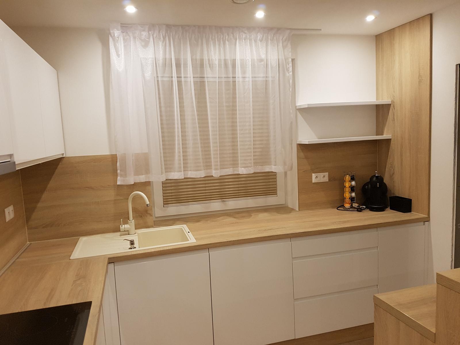 Leskle lakované Kuchyne na mieru - Obrázok č. 233