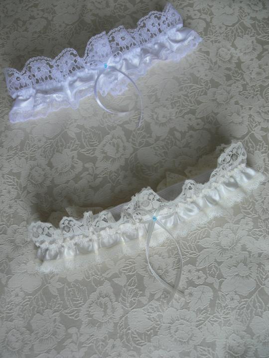 Svatební doplňky v barvě bílo černé - Obrázek č. 14