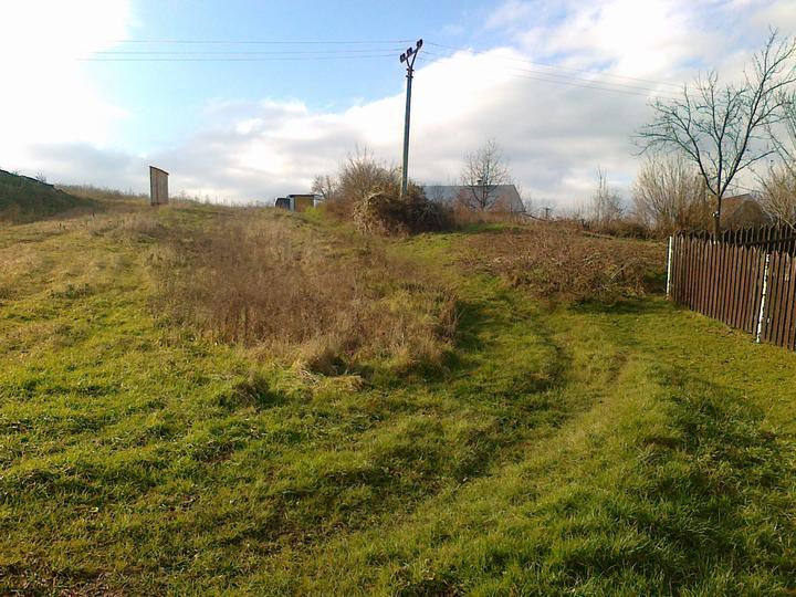 Náš domčok - na začiatku bola zelená lúka na kopci...