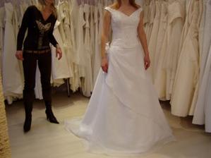 ...tu sa mi páči sukňa
