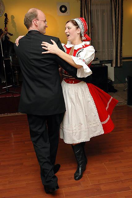 Lucka{{_AND_}}Martinko - ...a uz tancujem so svojim muzickom, ktory si ma unesie.... :)))